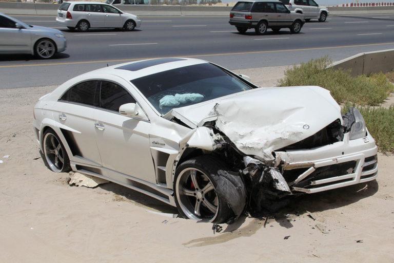 Como actuar en un accidente de trafico 768x512 - Cómo actuar en un accidente de tráfico