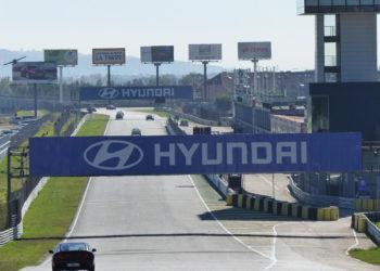 Quieres probar la experiencia de pilotar en un circuito de carreras en Madrid 350x250 - Noticias