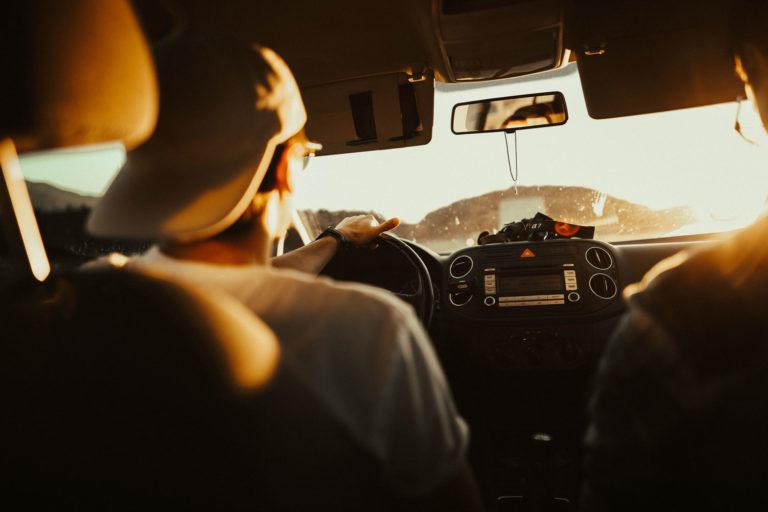 Prohibir fumar en el coche La peticion de los medicos a la DGT 768x512 - Prohibir fumar en el coche: La petición de los médicos a la DGT