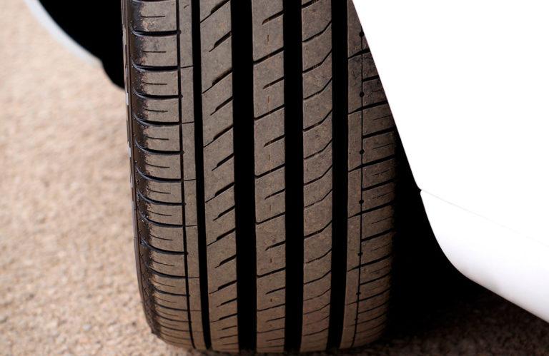Uno de cada cinco conductores circula con neumaticos ilegales 768x499 - Uno de cada cinco conductores circula con neumáticos ilegales