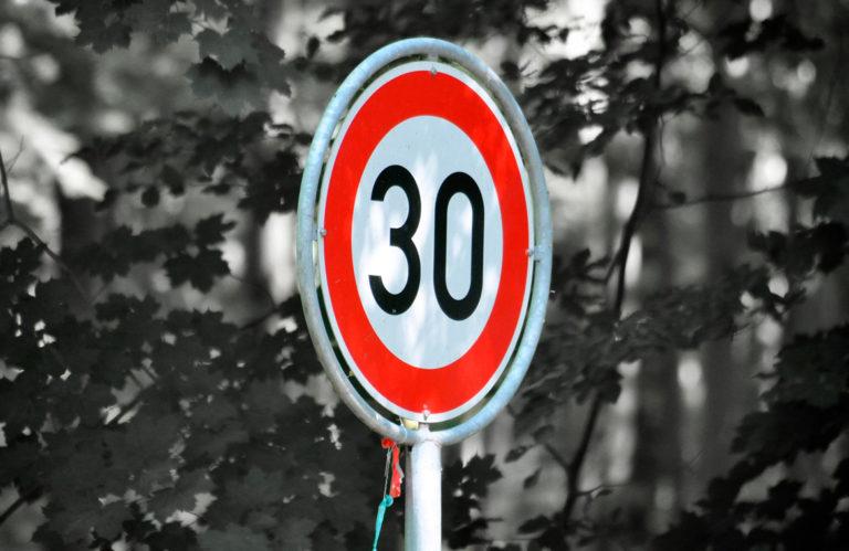 La DGT limitara a 30 kmh la velocidad en las ciudades 768x499 - La DGT limitará a 30 km/h la velocidad en las ciudades