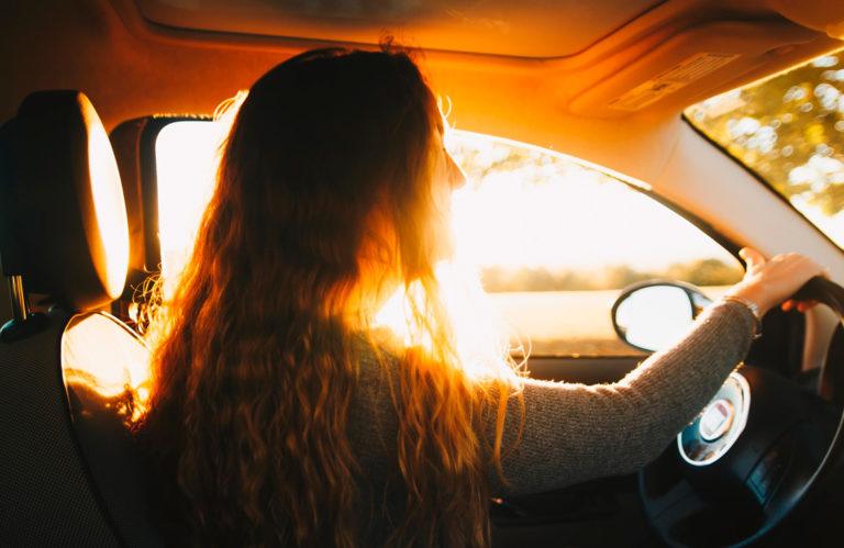 Mujeres al volante 768x499 - Mujeres al volante