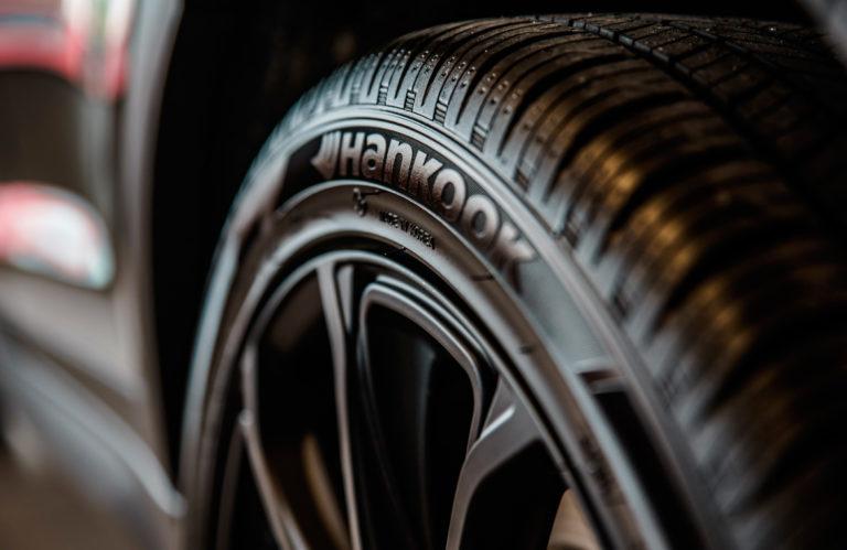 Cuatro curiosidades sobre los neumaticos 768x499 - Cuatro curiosidades sobre los neumáticos