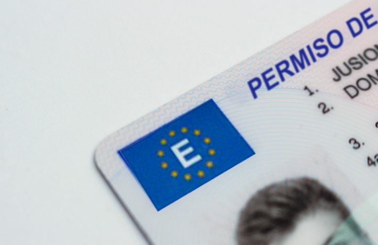 Llevar el carnet de conducir en la cartera se ha terminado 768x499 - Llevar el carnet de conducir en la cartera se ha terminado