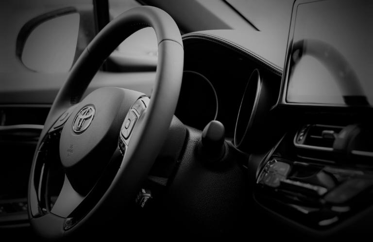 Los coches híbridos se convierten en la opción preferida de la mitad de los compradores