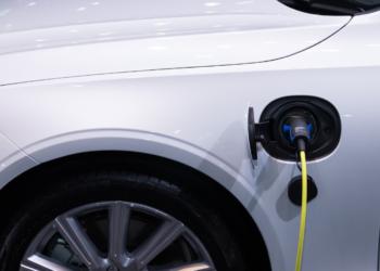 El Gobierno atenderá la demanda de los puntos de recarga de los eléctricos 350x250 - Noticias