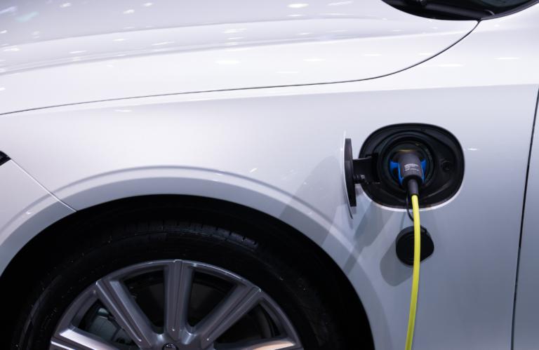 El Gobierno atenderá la demanda de los puntos de recarga de los eléctricos
