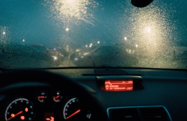La tecnología llega a los parabrisas para solucionar un problema de seguridad vial