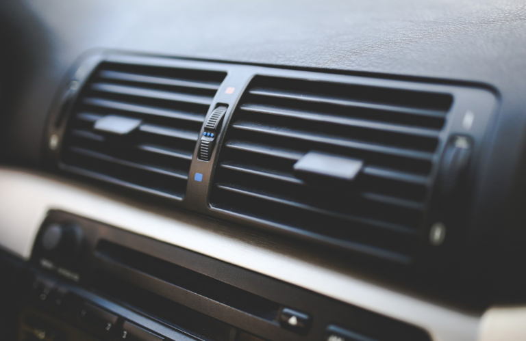 Recarga el aire acondicionado de tu vehículo con Grupo Torrejón
