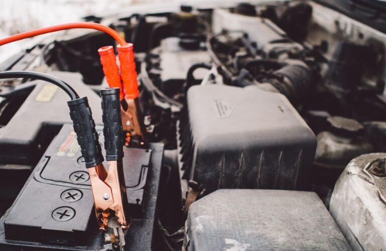 Protege-la-batería-de-tu-coche-del-calor